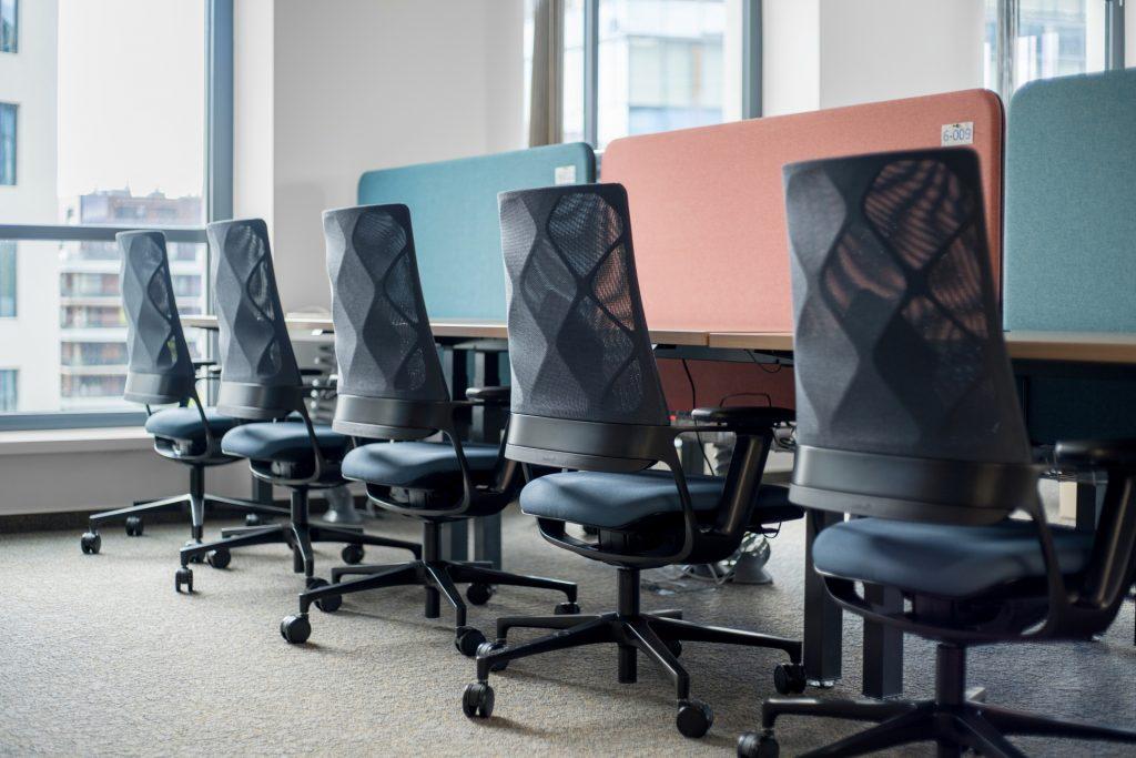 Ülések a modern irodákra szabva – megérkezett a Klöber 3 új modellje